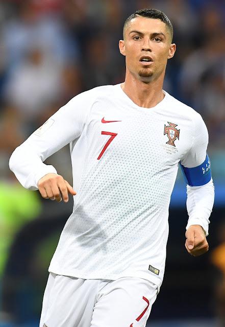 من هم أغنى لاعبي كرة القدم في العالم؟