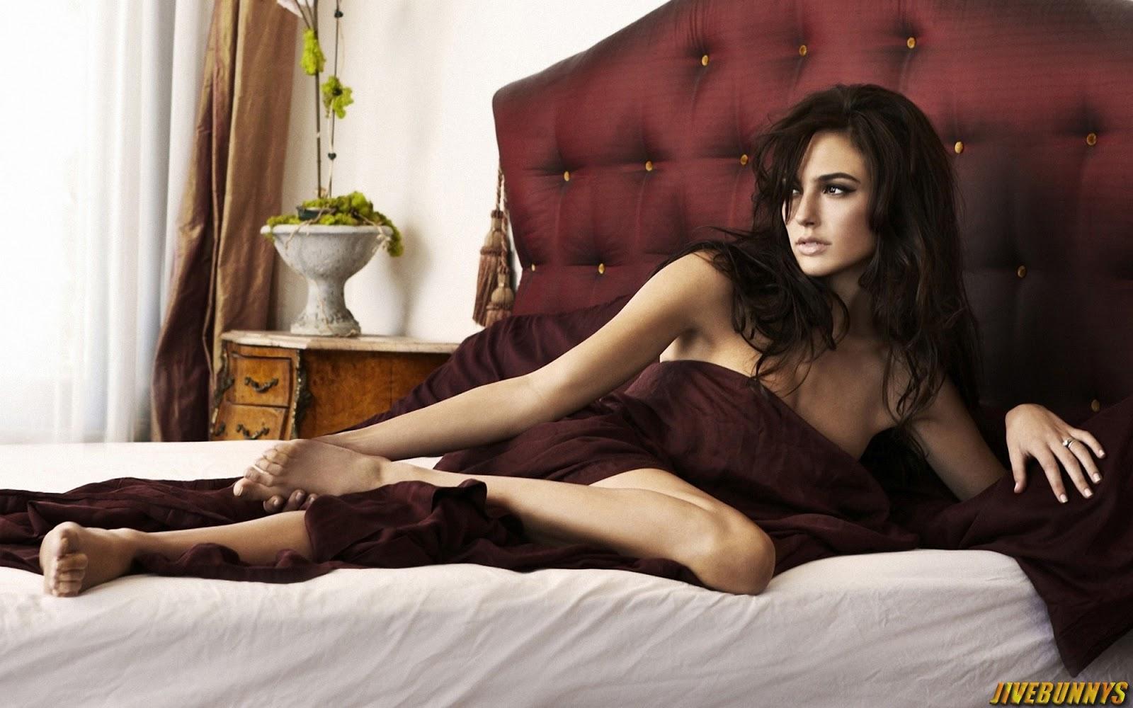 hot actress gal gadot - photo #20