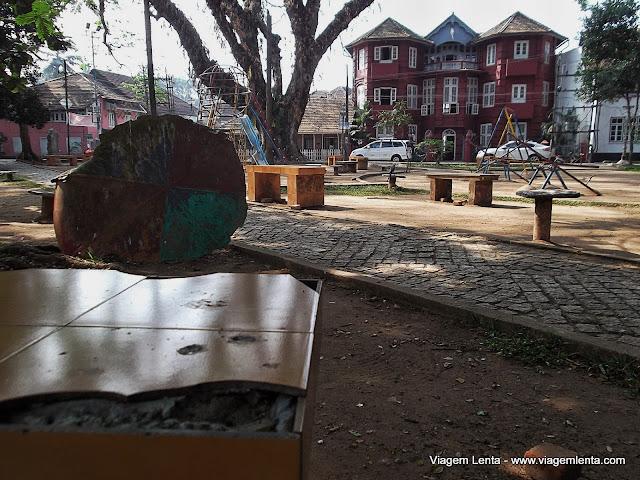 Praça em Kochi e casarões estilo europeu