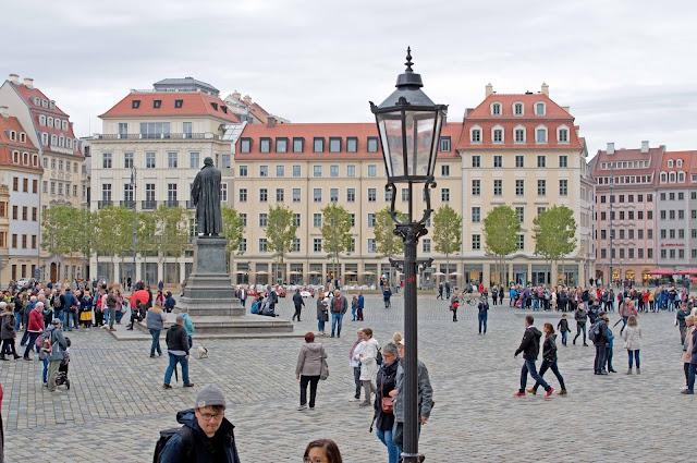 Marcin Luter centrum miasta Drezno, kamienice, budynki
