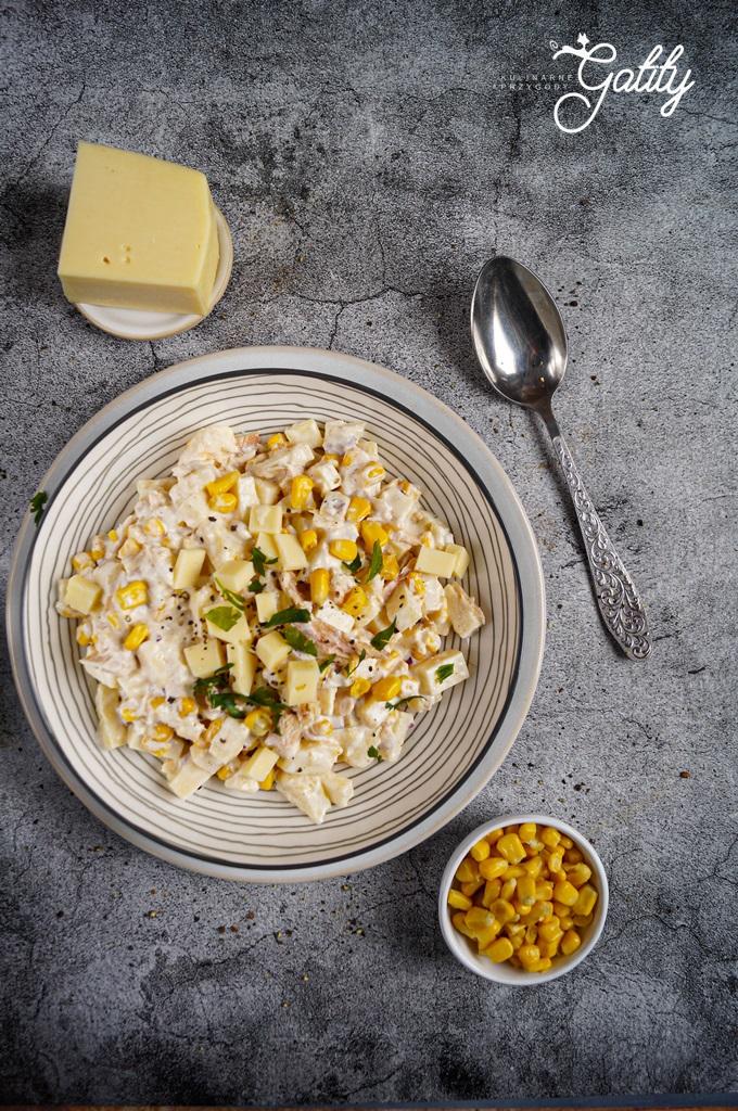 zolta-salatka-z-serem-kukurydza