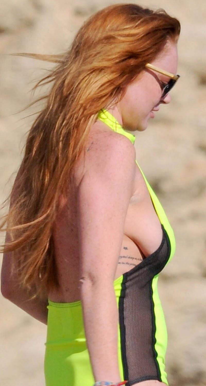 Lindsay lohan bikini bent over phrase