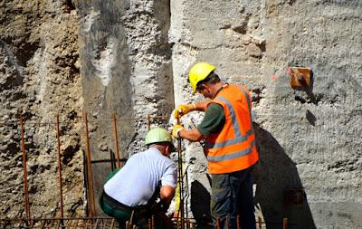 ما هي العوامل المسؤولة عن انخفاض جودة البناء؟