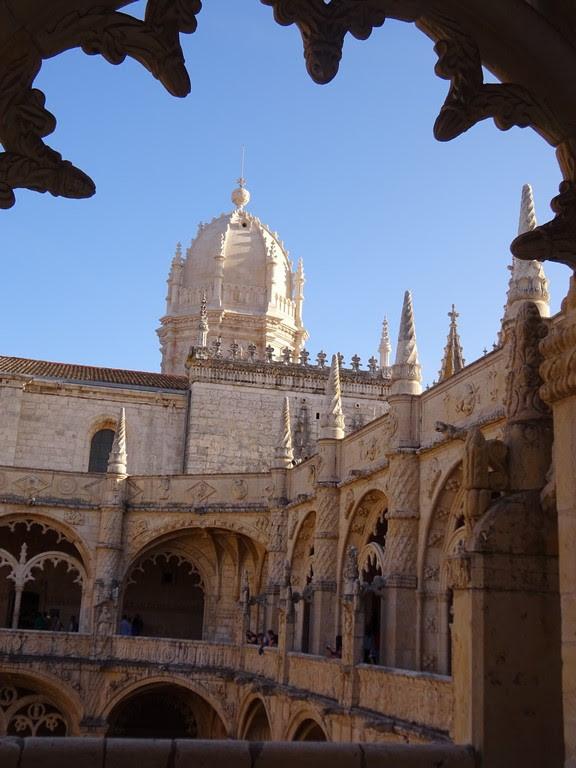 Claustro do Mosteiro dos Jerónimos - Uma Janela com arte