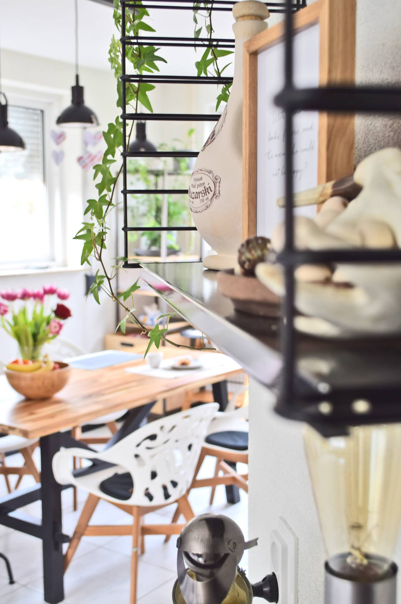 Jak udekorować mieszkanie na wiosnę?