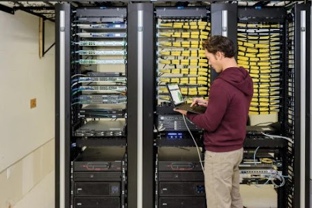 Which Server Should You Choose For Your Business?