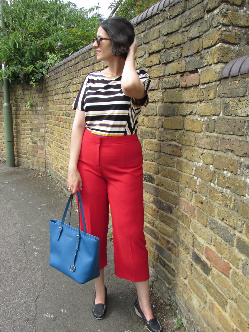How to wear red culottes