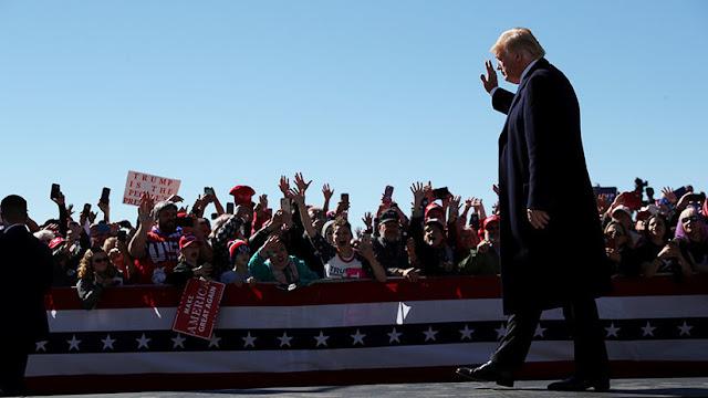 """Trump: EE.UU. hace todos los esfuerzos posibles para detener """"la avalancha de inmigrantes ilegales"""""""