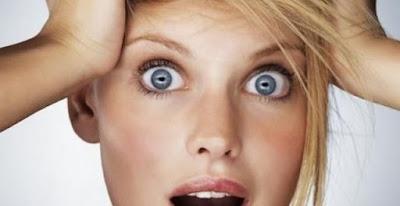 E  intorno ai 35 anni che le donne scoprono i primi capelli bianchi. La  tentazione di strapparli è forte  ma si rischia di peggiorare la situazione. 8fd58ec8b324