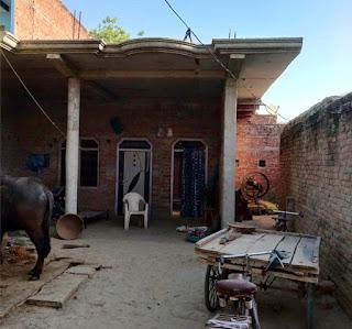 प्रधानमंत्री आवास योजना में धांधली की मोहल्लेवासियों ने की शिकायत | #NayaSaberaNetwork