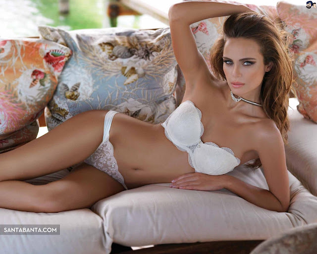 Download Xenia Deli Wallpapers