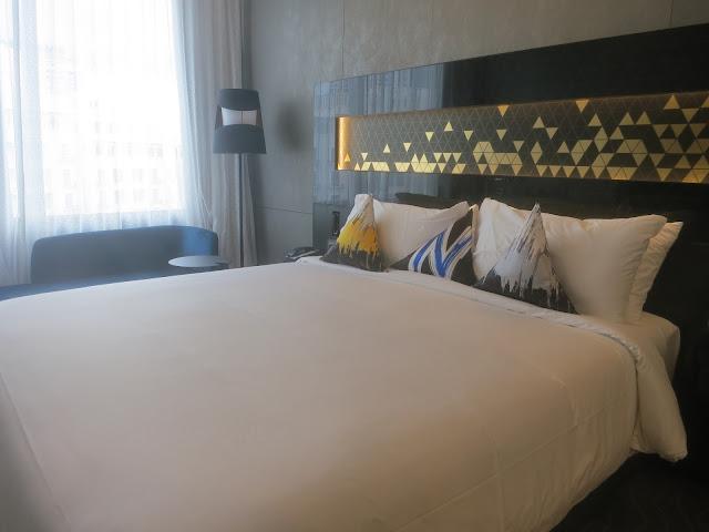 Novotel Singapore on Stevens - room
