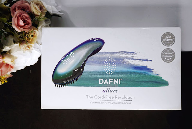 THE FIRST EVER CORDLESS STRAIGHTENING BRUSH - THE DAFNI ALLURE