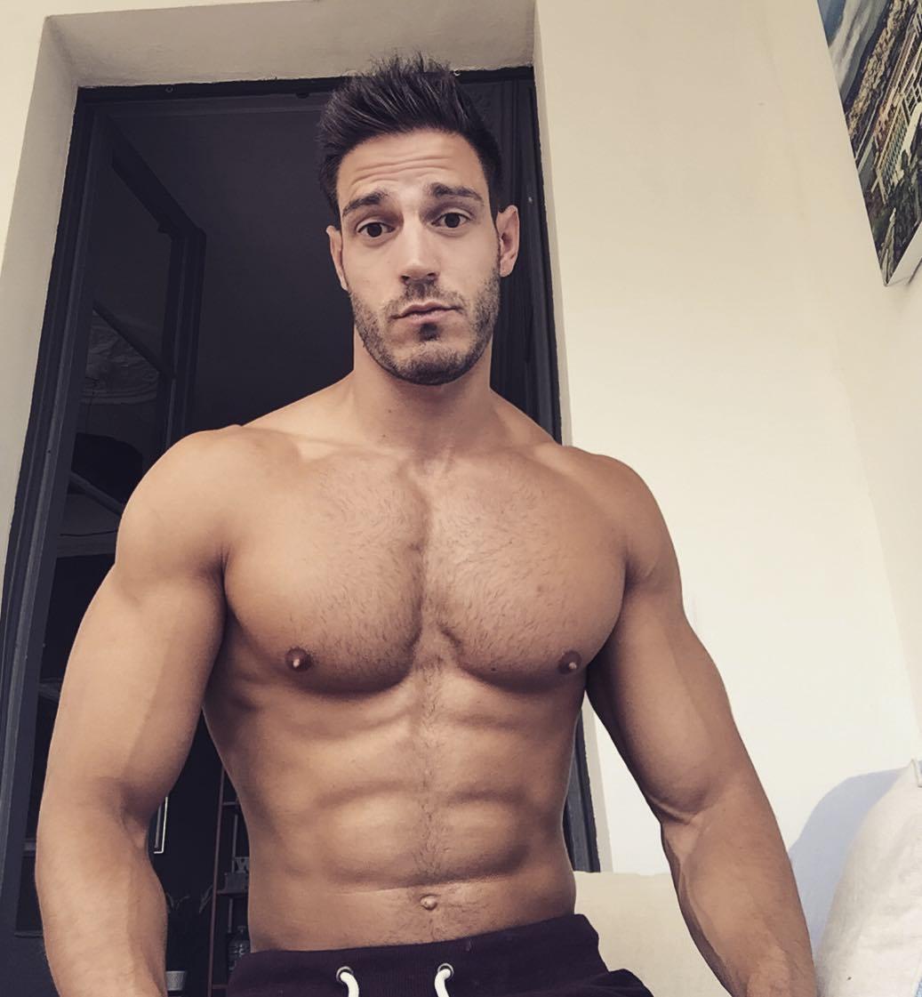handsome-beefy-shirtless-men-iluis-tura-muscular-body