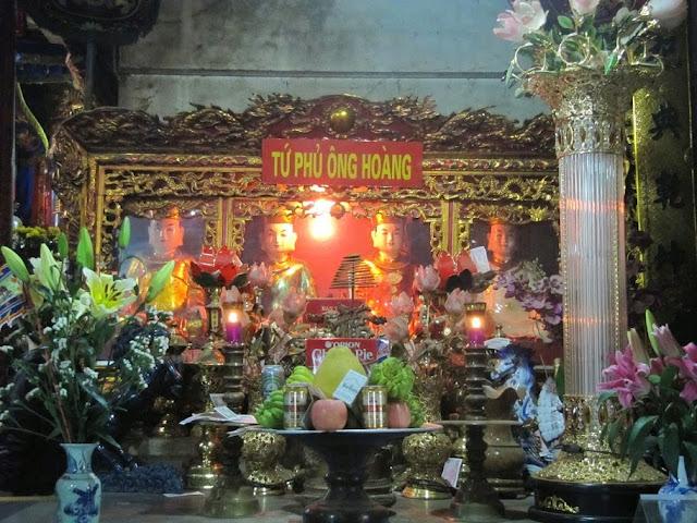 Cho thuê xe 7 chỗ đi đền ông Hoàng Bảy Lào Cai giá rẻ
