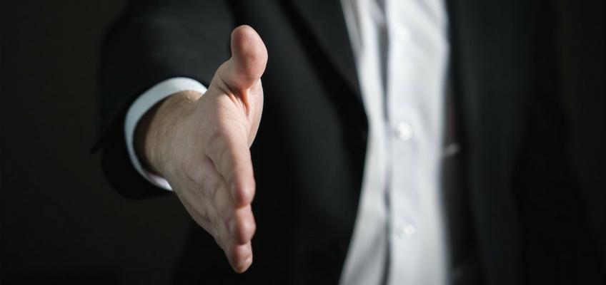 4 خطوات ثبتت فعاليتها في توظيف أول موظف مستقل عبر الإنترنت والتعاون معه