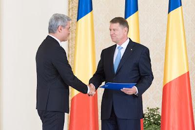 Dragoș Pîslaru, Klaus-Iohannis, presidency.ro, gyermekgondozási díj, Románia, gyed,