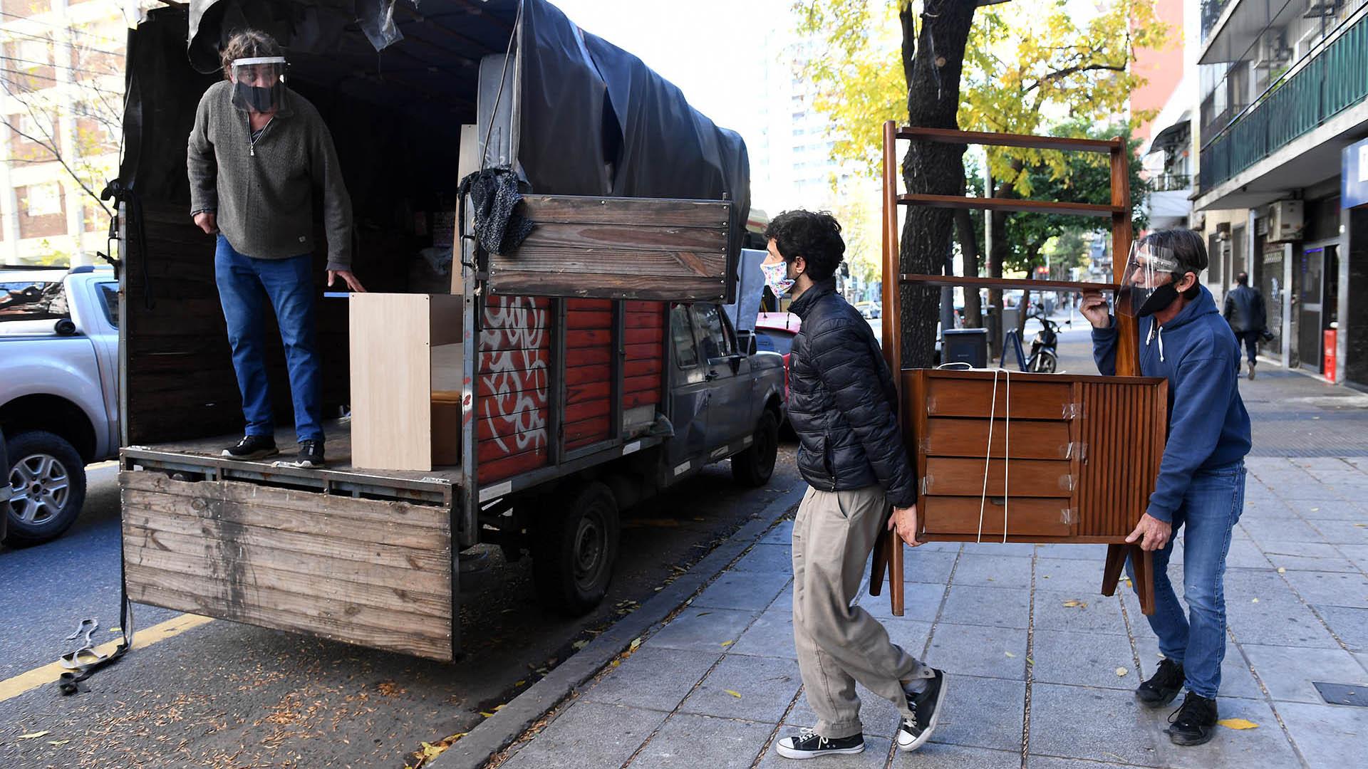 Autorizan mudanzas en la provincia de Buenos Aires y otras excepciones en municipios