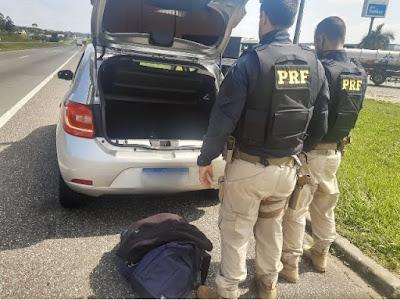 Policia Rodoviária Federal prende dois envolvidos em furto de caixa eletrônico