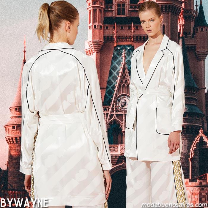Sacos y chaquetas primavera verano 2020. Abrigos 2020 sacos y chaquetas de mujer.