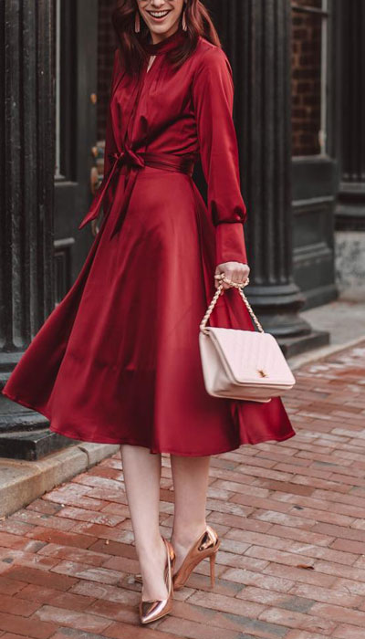 From casual outfits for family reunions to crazy trendy party outfits, we've got your back see these 24 Best Christmas Outfits You Can Shop this Holiday Season. | Red midi dress | #christmas #holiday #newyear #dress