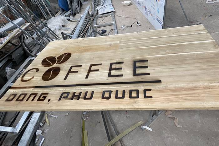 Làm biển quảng cáo bằng gỗ đẹp nhất Phú Quốc