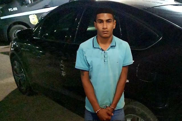 'FURTOS E ROUBOS': Polícia prende jovem com carro roubado de oficial de justiça refém em residência