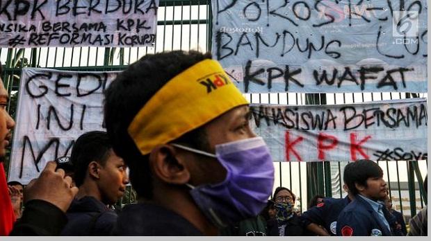 Revisi UU KPK dan RUU KUHP melemahkan KPK - pustakapengetahuan.com