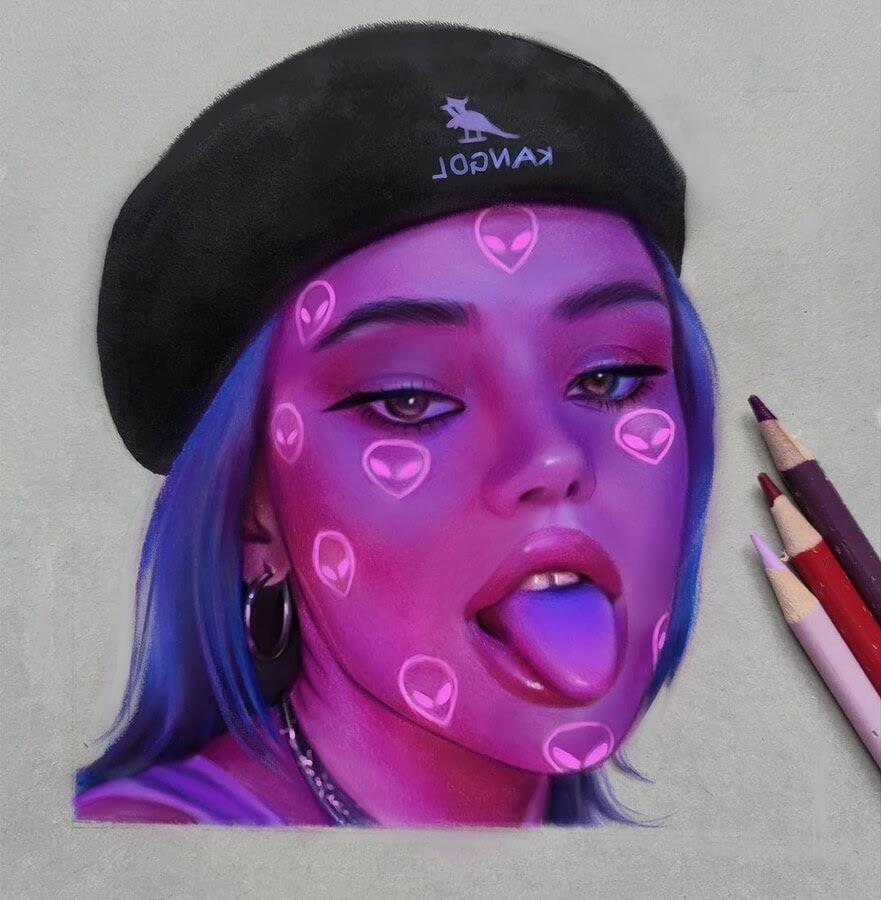 04-Alien-Neon-light-Vicky-www-designstack-co