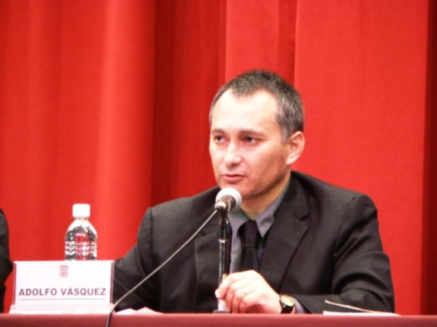 https://i1.wp.com/1.bp.blogspot.com/-MydPM0EQ7gs/UDGzKiTXyNI/AAAAAAAAGFE/l-Zj2Bgkn3M/s1600/1+Adolfo+Vasquez+Rocca+Conferencia++Nietzsche+2007+Mex+.JPG