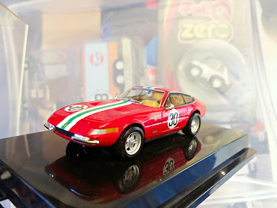 Hot Wheels Collectibles 1968 Ferrari 365 GTB 4 1/43