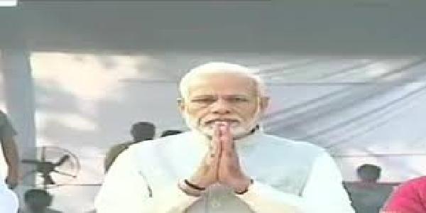 Modi-ne-guru-naanak-jayantipar-shradhanjali-arpit-ki