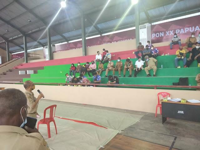 TD Wushu dan Gulat PON XX Papua Evaluasi Venue di GOR Hiad Sai.lelemuku.com.jpg
