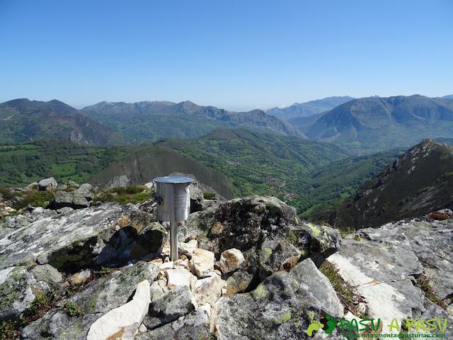 Buzón de cima de Peña Tromeu