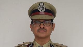 #JaunpurLive : जौनपुर पुलिस में अमिताभ ठाकुर की ट्वीट से मचा हड़कंप