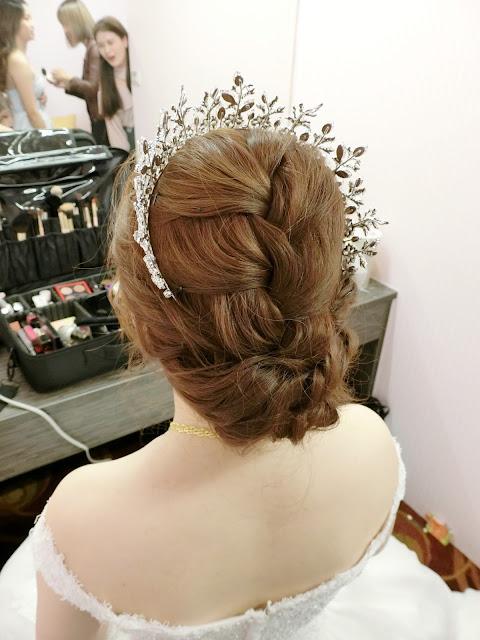 氣勢大皇冠 | 進場白紗造型 | 低盤髮