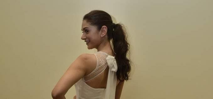 Aditi Rao Hydari hot back. Aditi Rao Hydari smile