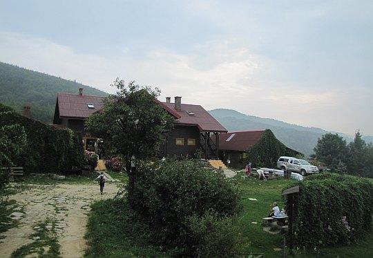 "Chata Górska ""Cyrla"" (884 m n.p.m.)."