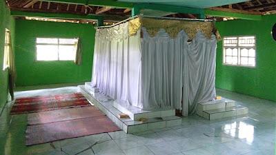 Keadaan di Dalam Makam Syekh Abdul Kohar Pandawa