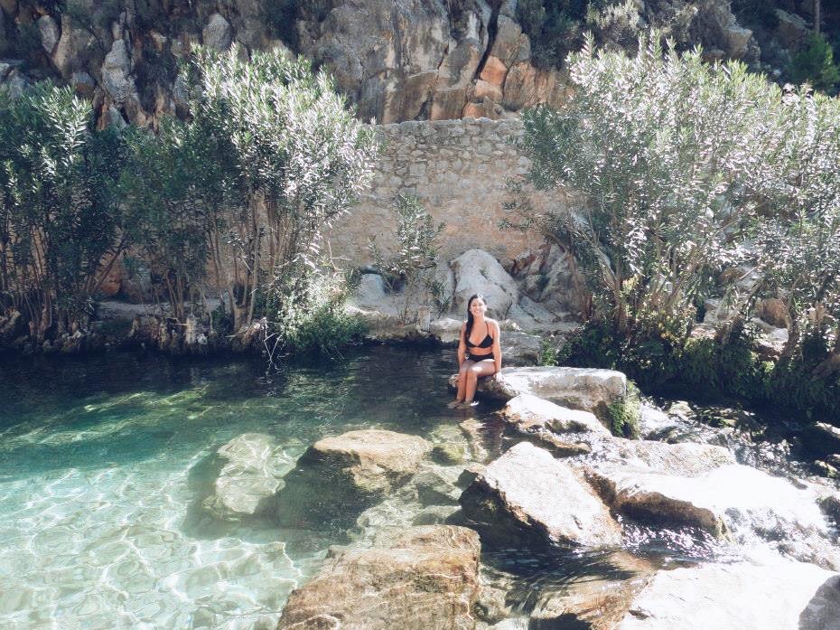 Ana Maddock- La Cascada