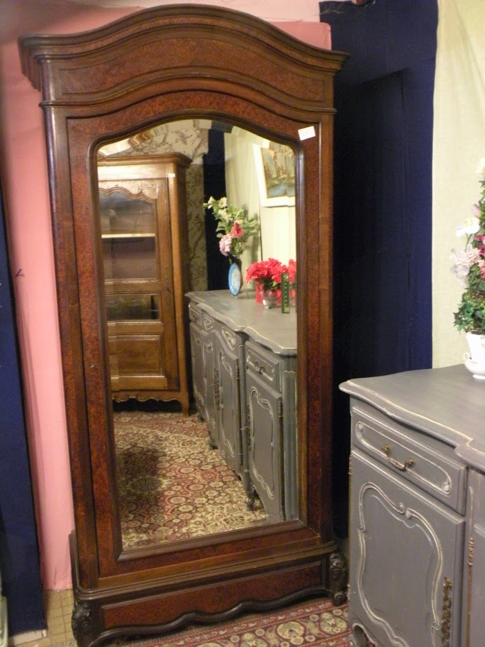 arcelin brocante au vrai rustique armoire glace. Black Bedroom Furniture Sets. Home Design Ideas