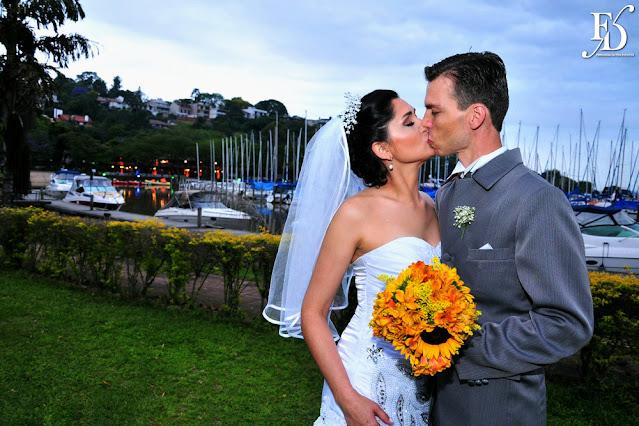 casamento no clube veleiros do sul em porto alegre com cerimônia ao ar livre na margem do rio guaiba e decoração simples rústica por fernanda dutra eventos