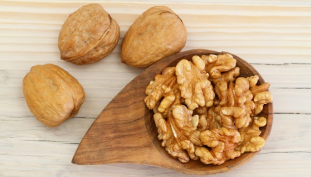 Walnuts-Prevent-Hair-Loss