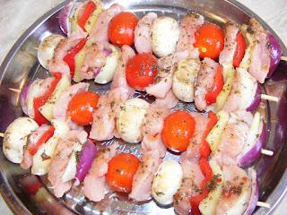 retete mancare gratar reteta frigarui marinate cu carne si legume,