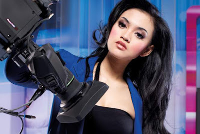 Kemben hita presenter cewek IGO wisata malam Putri Lana