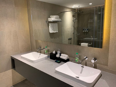Main bathroom of the Premier Suite