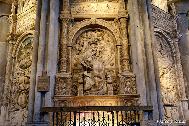 Sepulcro de el Tostado de la catedral de Ávila