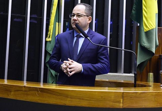 Cezinha de Madureira propõe criação do Dia Nacional de Oração e Intercessão