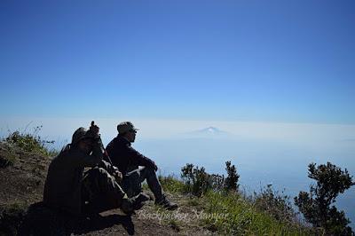 Menuju Puncak Sejati Gunung Sumbing - Backpacker Manyar