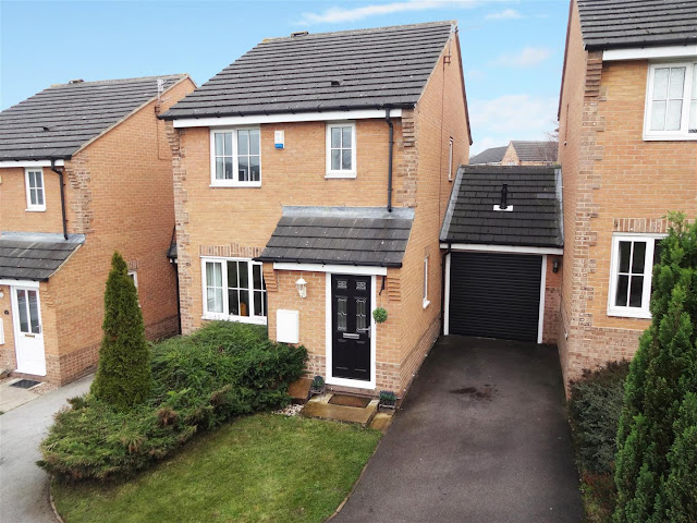 This Is Bradford Property - 3 bed link-detached house for sale West Cote Drive, Thackley, Bradford BD10